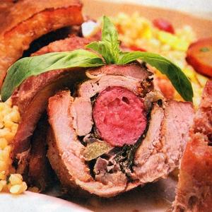 Тушеное мясо - Свиной рулет с колбасой