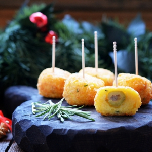 Оливки - Сырные пончики с оливками