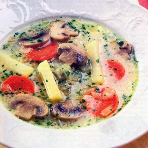 Рецепты супов - Сырный суп с шампиньонами