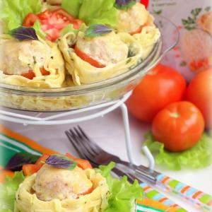 Мак - Тефтели, запеченные в макаронных гнездах