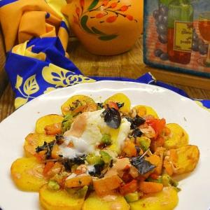Авокадо - Теплый овощной салат с томатно-сливочной заправкой