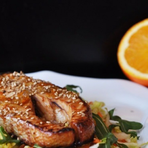 Лосось - Тёплый салат из лосося с апельсиновым соусом