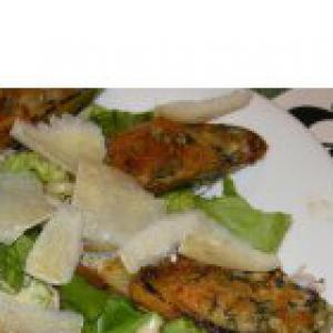 Анчоус - Теплый салат с мидиями и соусом из анчоусов