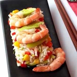 Креветки - Теплый салат с рисом