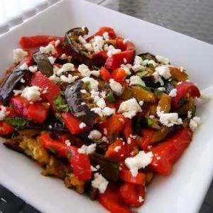 Теплые салаты - Теплый салат с жареным сыром
