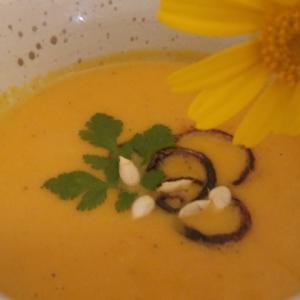 Морковь - Тыквенный крем-суп с миндальным молоком