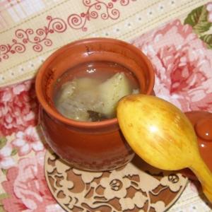 Рецепты славянской кухни - Уха из макруруса и кеты в горшочках