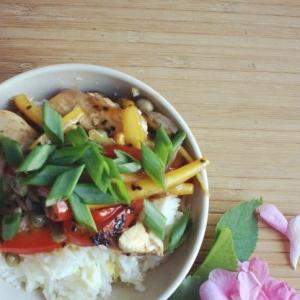 Рецепты китайской кухни - Вок с курицей и рисом