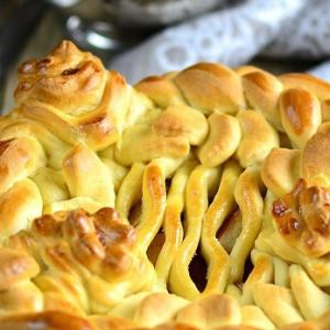 Яблоко - Яблочно-ореховый дрожжевой пирог