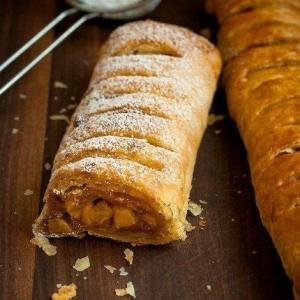Рецепты десертов - Яблочный штрудель