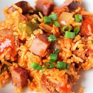 Рецепты американской кухни - Ямбалайя с ветчиной и сосисками