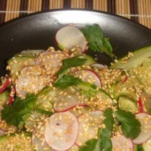 Васаби - Японский салат с огурцом и редисом