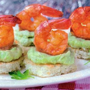 Острый перец - Закуска из креветок с пастой из авокадо
