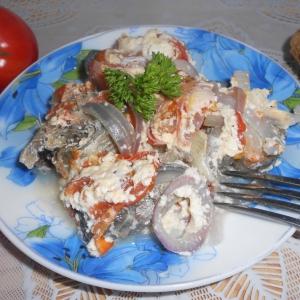 Рыба - Запеченная рыба с помидорами в СВЧ