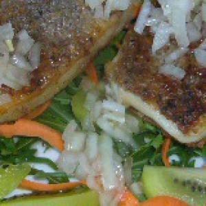 Киви - Запеченный козий сыр с гарниром из овощей и фруктов